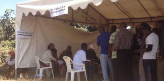 Wapiga Kura wakiwa Foleni kwenye Kituo Na 3 Kata ya Sokon I, Arusha