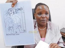 Joyce Ndalichako Akionyesha Majibu ya mwanafunzi kwenye mtihani wa Taifa 2011